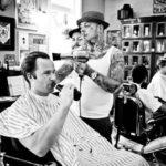 Plongez dans l'univers d'un barbier tendance de Rotterdam
