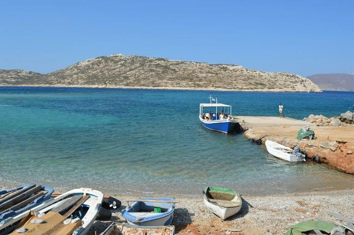 escale dans les Cyclades sur l'ile d'Amorgos