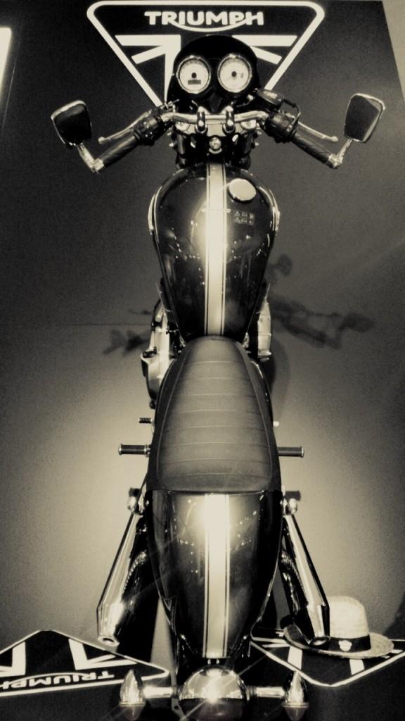 Triumph stand salon de la moto