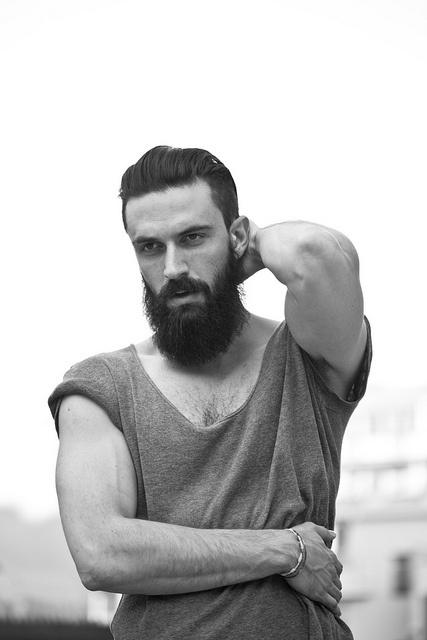 le top 10 des barbes d 39 hommes tendance de la nouvelle ann e. Black Bedroom Furniture Sets. Home Design Ideas