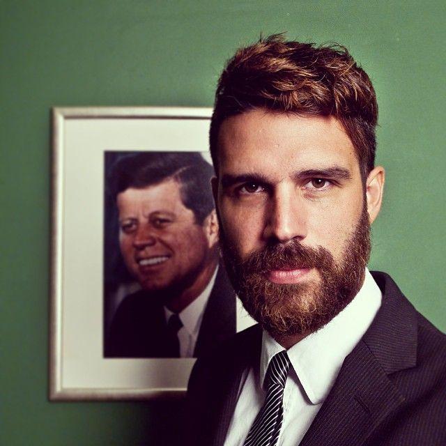 Barbe homme style président