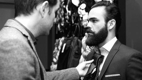 Choix accessoire costume pour homme