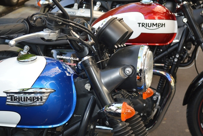 Triumph Bonneville T214 et Newchurch