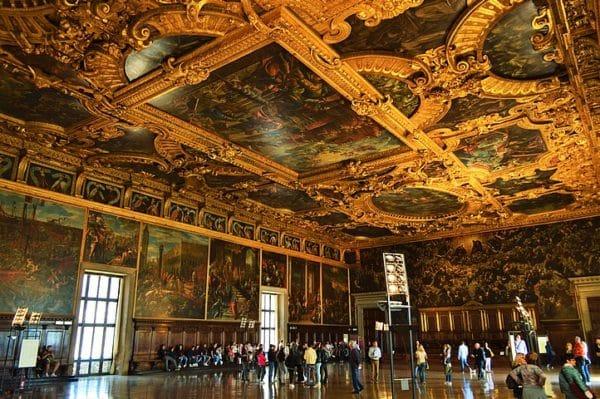 Photo de Venise: salle grandiose du Palazzo Ducale décorée par la Tintoret en 1590