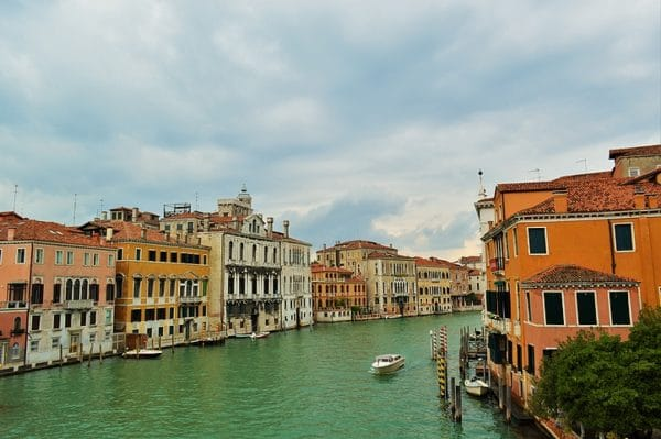 Photo de Venise: le grand canal en ciel et eau