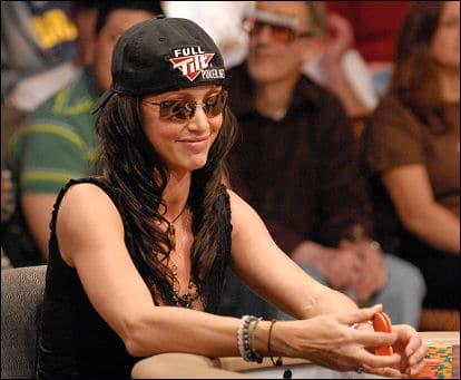 Shannon Elizabeth actrice et joueuse de Poker