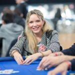 Apportons une touche féminine au Poker