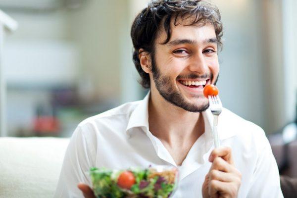 Avoir une alimentation équilibrée est une des clés pour être en forme