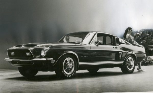 1967-ford-mustang-shelby-986x603