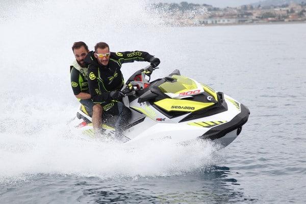 Moto des mers SEA-DOO RXP-X 300 en test en mer