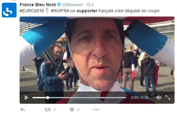 Supporter de l'équipe de France déguisé en coupe d'Europe