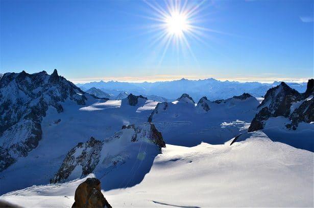 vue de l'aiguille du midi à 3 842 mètres d'altitude
