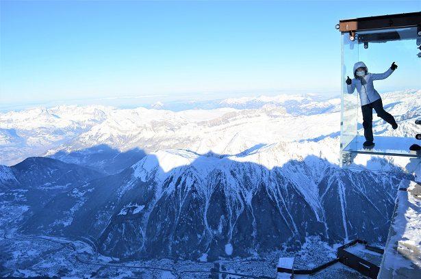 Le Pas dans le vide au sommet de l'Aiguille du Midi
