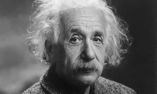 Moustache de Albert Einstein