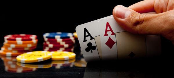 Table de poker: tous les accessoires indispensables