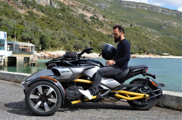 Comment conduire une moto 3 roues