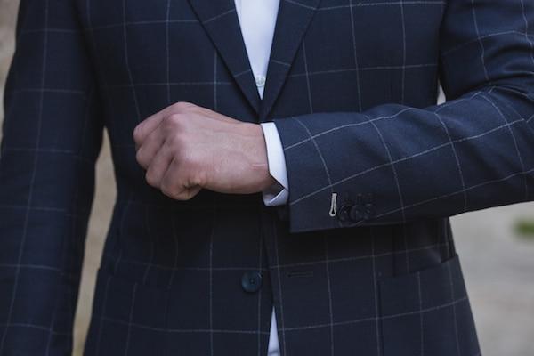 Veste bleue marine TAILOT TRUCKS à grands carreaux est fabriquée à partir d'un tissu léger et bien sûr non doublé, signé VITALE BARBERIS CANONICO 100% Laine