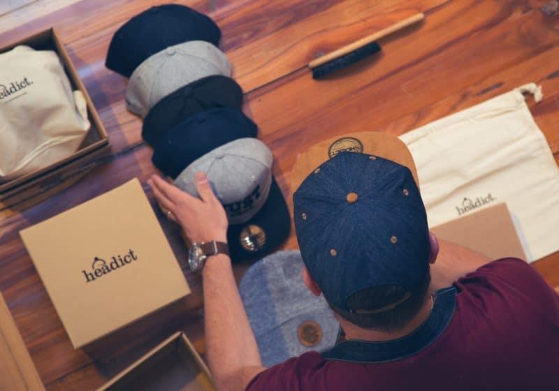 personnaliser sa casquette l 39 homme tendance. Black Bedroom Furniture Sets. Home Design Ideas