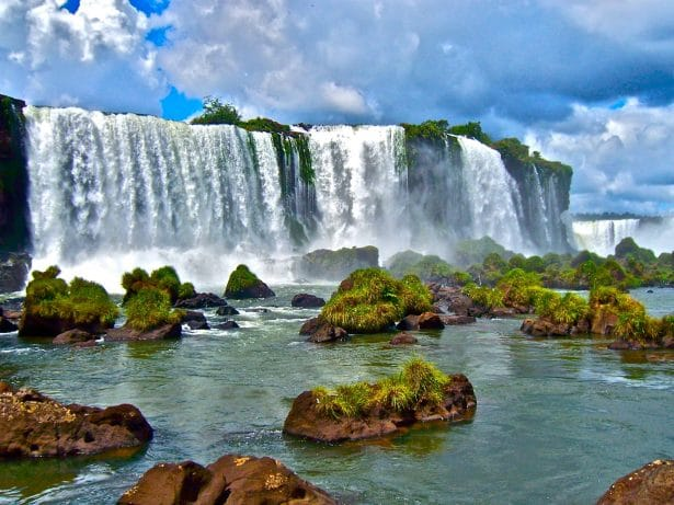 2-Iguazu-CC-Flickr-MarissaStrniste
