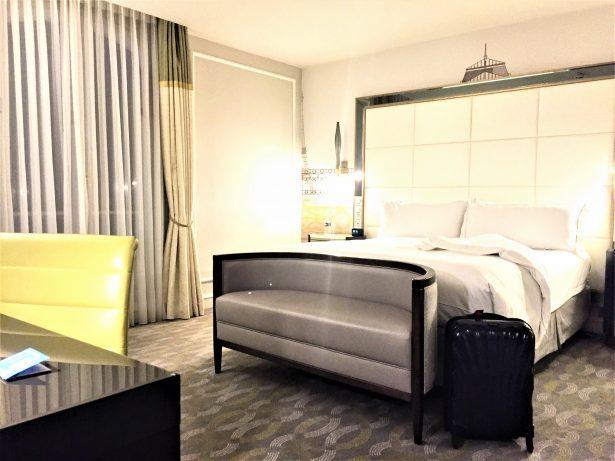 Hilton - une chambre spacieuse