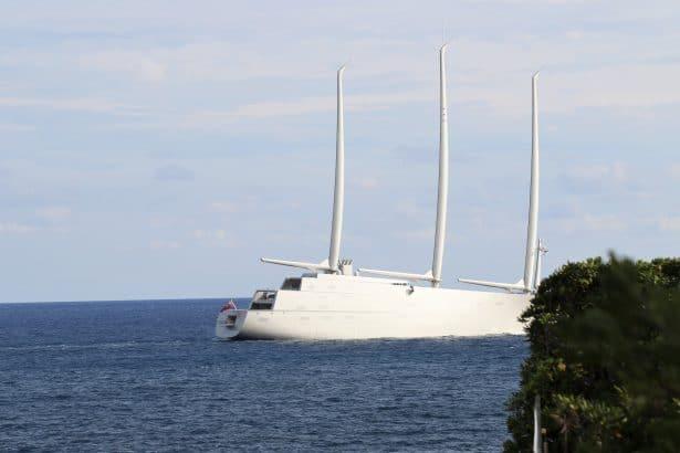 Le Sailing Yacht A continue sa route et ses tests - le plus grand yacht à voile du monde