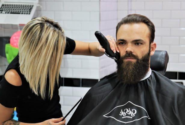 Taille de barbe chez GEGE Barbershop Paris 7ème