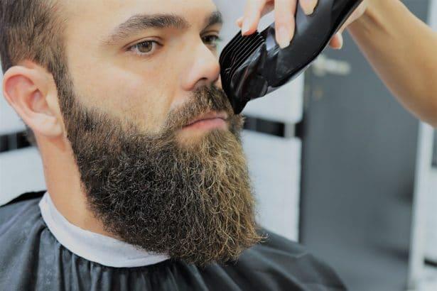 Taille de barbe et moustache chez GEGE Barbershop Paris 7ème