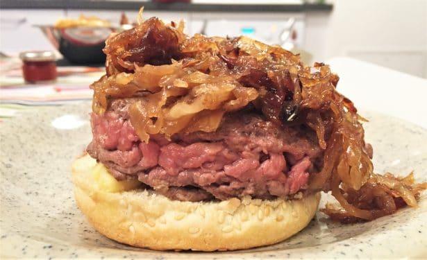 Ça c'est du burger bien copieux ! By Frichti