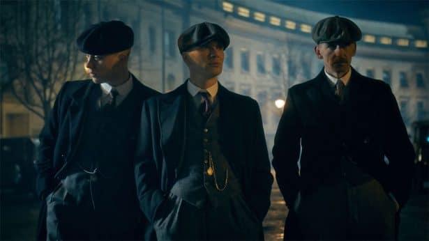 Plus tard, les 3 frères portent des cravates fines