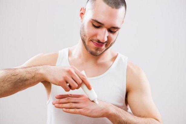 Quand se mettre de la crème hydratante sur les mains ?