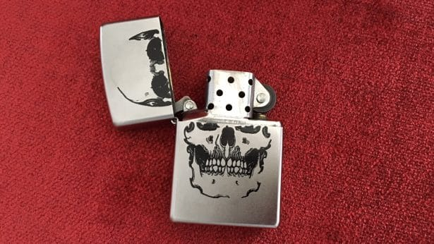Mon briquet Zippo solide comme un Rock made in USA