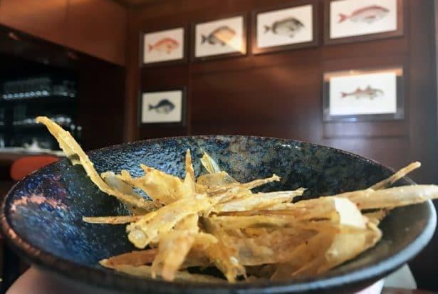 Chips de cartilage de calamars - Restaurant Le Duc Paris