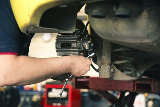 Confier sa voiture à un garagiste de confiance