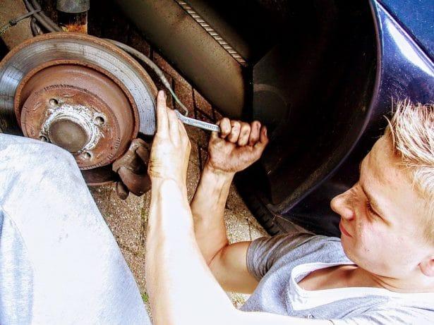 Respecter le carnet d'entretien du constructeur de votre voiture