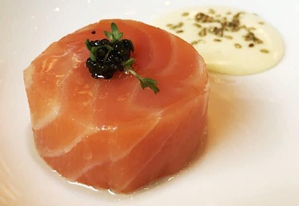restaurant-pre-catalan-table-saumon