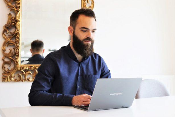 ordinateur-pas-cher-leger-noteook-neo-360-xs-bureau