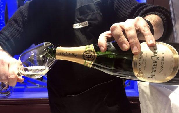 cavistes-nicolas-repas-noel-champagne-perrier-jouet