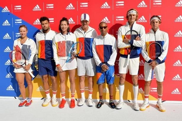 Les sportifs équipés de la tenue faite par Pharrell Williams lors de l'édition 2017