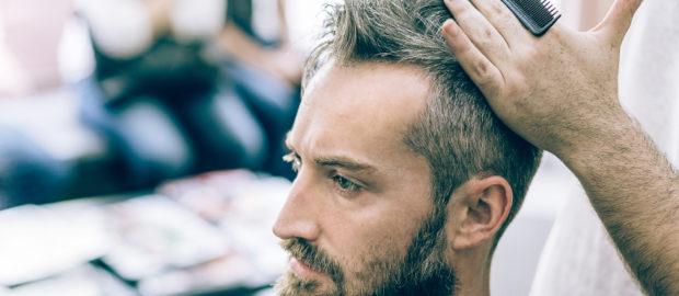 Comment se débarrasser des cheveux blancs quand on a moins de 35 ans ?