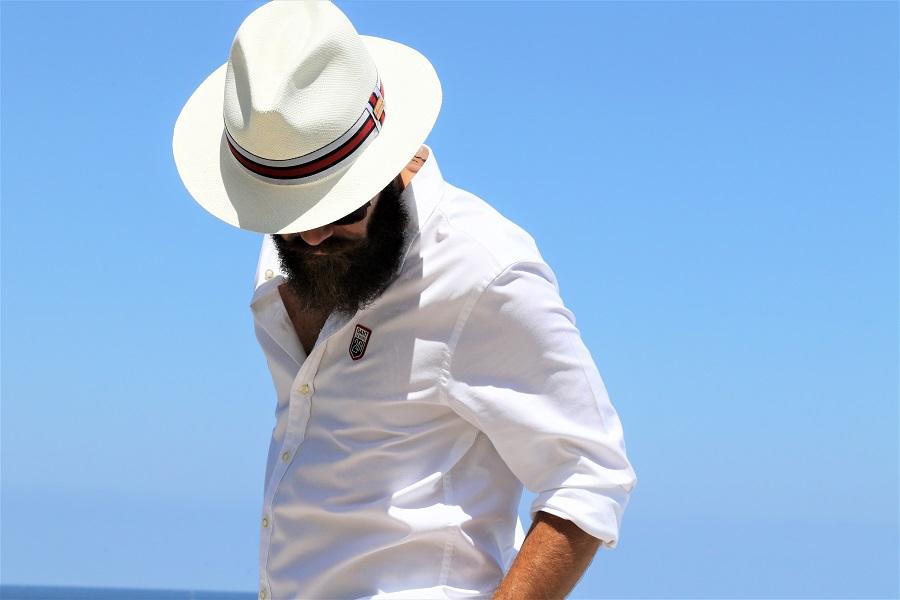 Un chapeau pour se coiffer ?