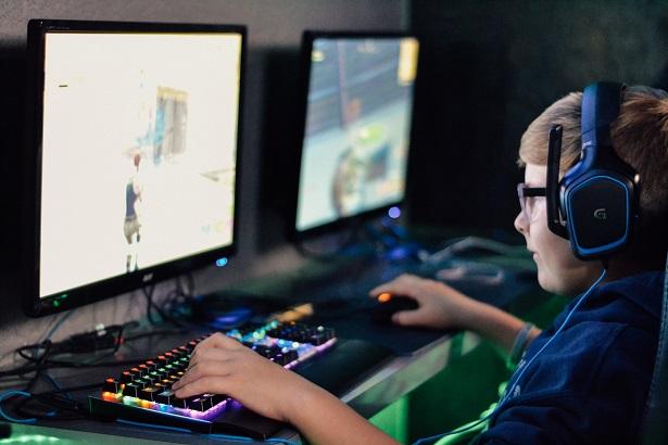 meilleur-casque-gaming-ordinateur-615x410