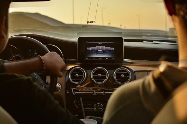 meilleur-gps-voiture-choix-615x409