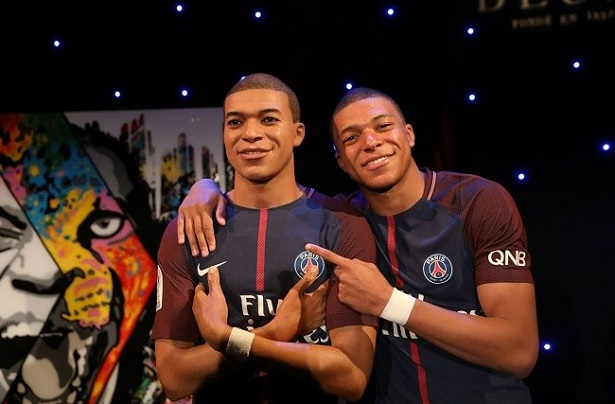 fourcarde-musee-grevin-mbappe-615x404
