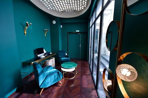 hotel-paris-romantique-rond-point-champs-elysees-decoration