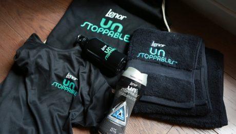 neutraliser-odeurs-vetements-sport-lenor-unstoppables-kit