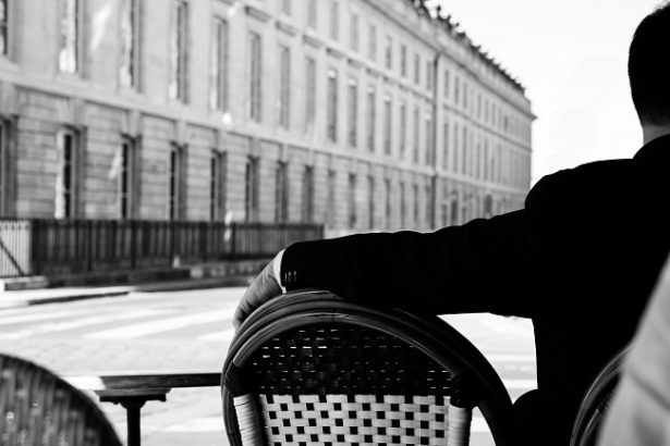 10-conseils-devenir-gentleman-posture