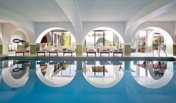 cote-saint-jacques-piscine-interieure