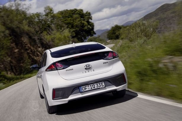 new-voiture-hyundai-ioniq-securite